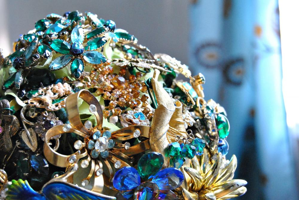 Wedding Brooch Bouquet Nz : Vintage rhinestone brooch bridal bouquet one of a kind
